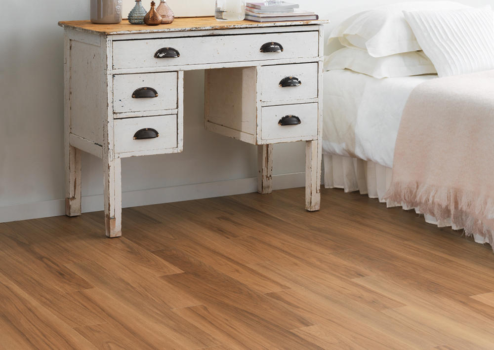 Виниловая плитка Amtico Spacia Wood 2545 Smoothbark Hickory